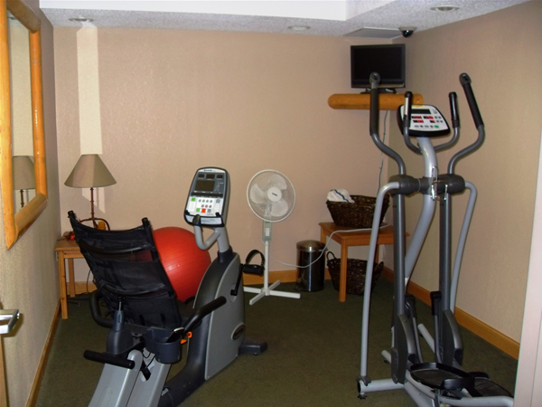Americinn chamberlain south dakota exercise room for Chamberlain sd fishing report